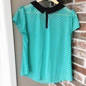 Lovely Day Tops - Green Polka Dot with Peter Pan collar (size L)